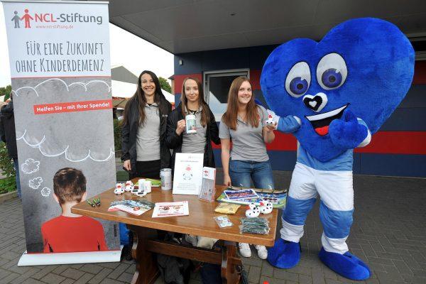 Benefizspiel 2017 fuer NCL Stiftung mit rautenherz