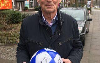Jochen Meinke signiert rautenherz Ball